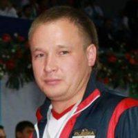 "<a href=""http://rmtf.ru/persons/15843""><strong>Денисов Антон</a>Координатор, </br> помощник Президента</strong>"