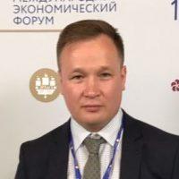 """<a href=""""http://rmtf.ru/persons/15843""""><strong>Денисов Антон</a>Советник Президента</strong>"""